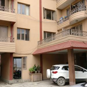 4bhk semi furnished Apartment for rent for home or office at Teku
